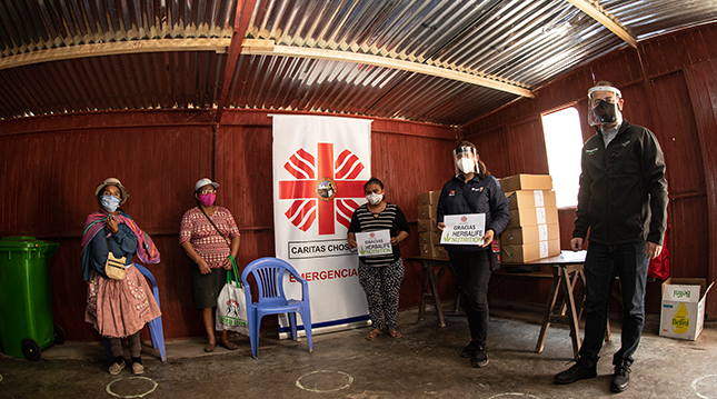 Caritas-Peru-donacion barras de proteina