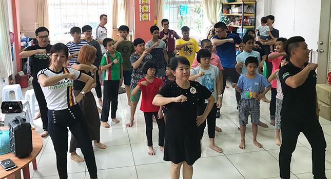 Fomentar la danza y la actividad física como parte de un programa educativo para niños.